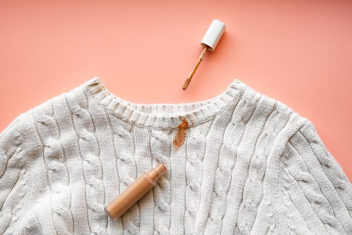 makeup stains in clothes
