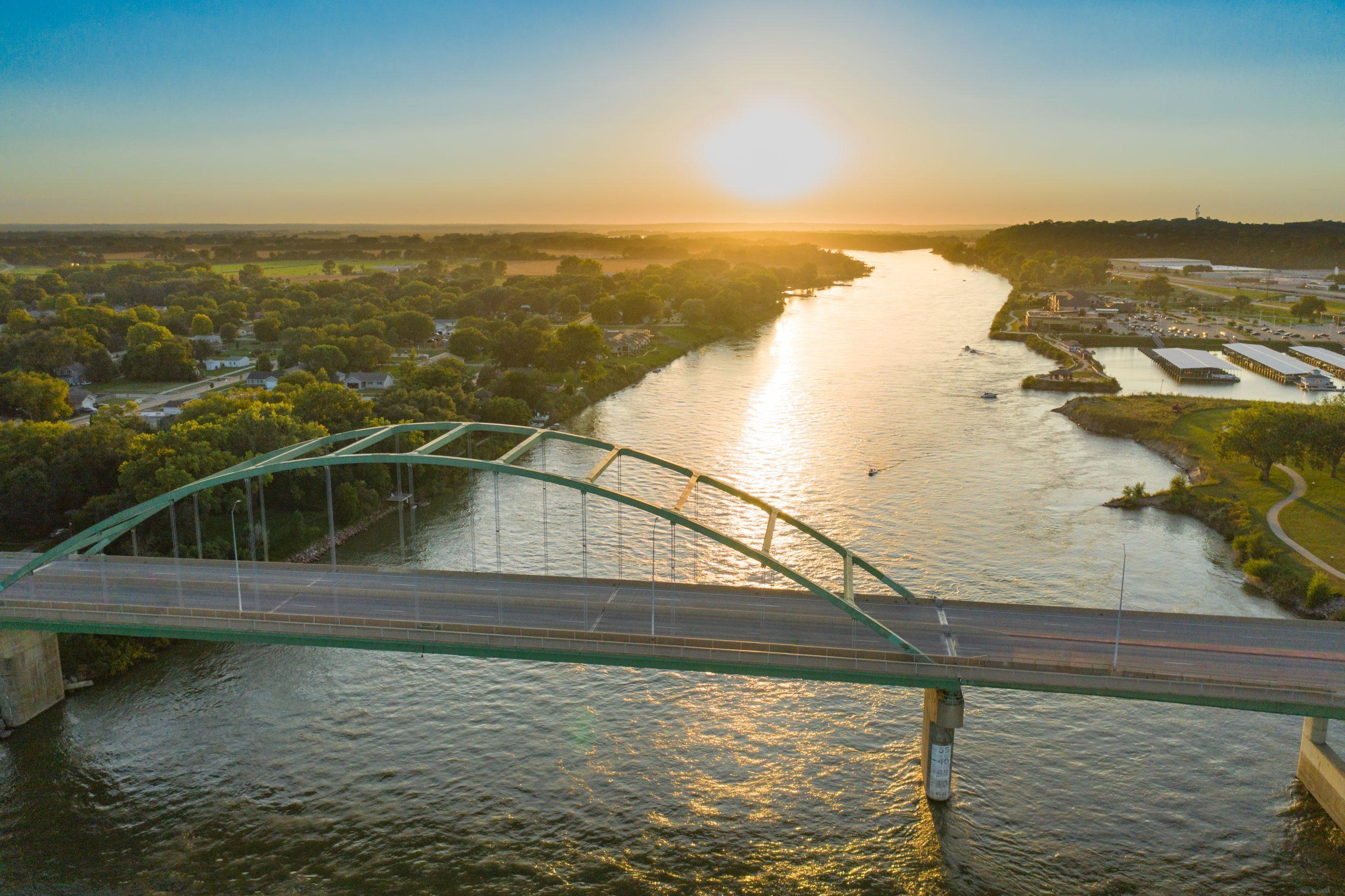 Sunset over Veteran's Memorial Bridge in Sioux City, Iowa, over the Missouri River.