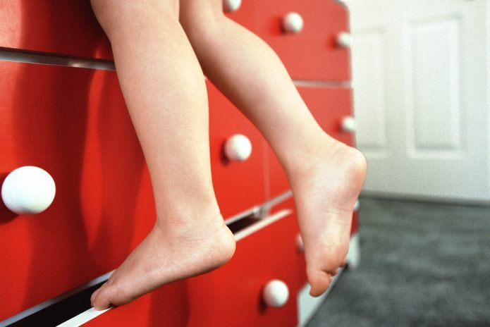 Climbing dresser