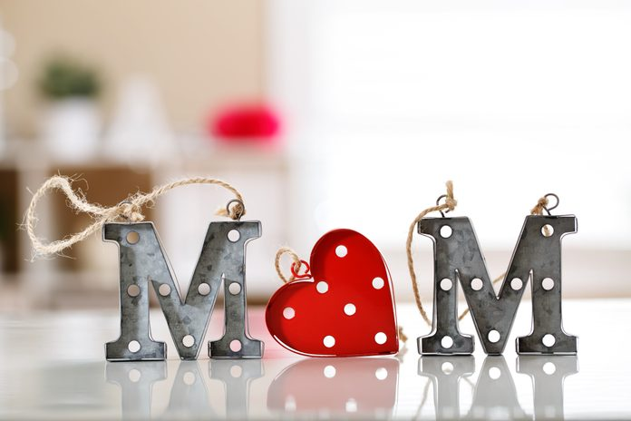 Mom letter ornaments in a room