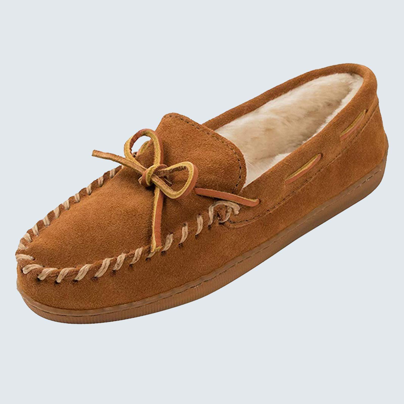 Most durable slippers: Minnetonka Men's Pile Lined Hardsole Slipper