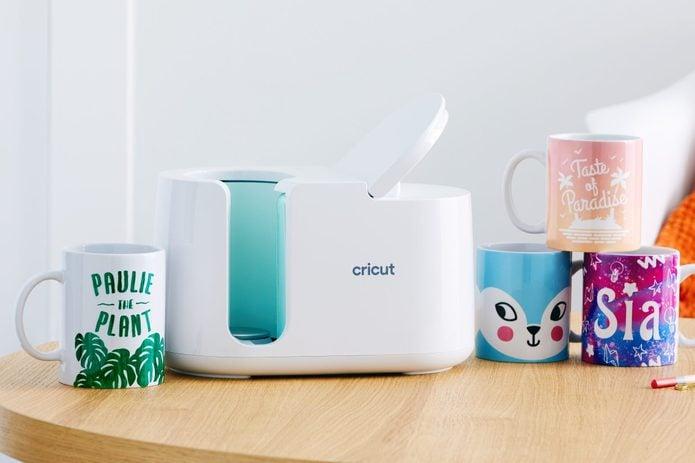 Cricut personalized mugs for mom
