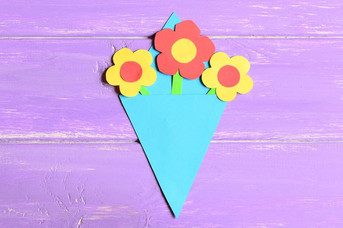 Making paper flowers crafts for mother's day or birthday. Step