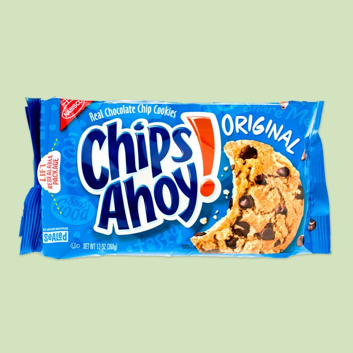 package of chips ahoy original chocolate chip cookies