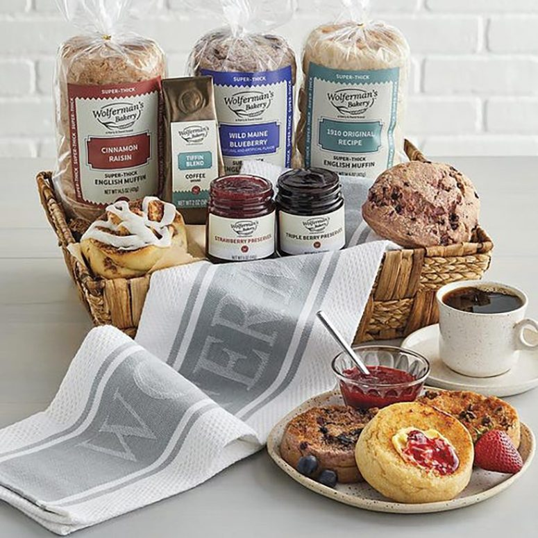 Wolferman's Bakery Deluxe Bakery Gift Basket