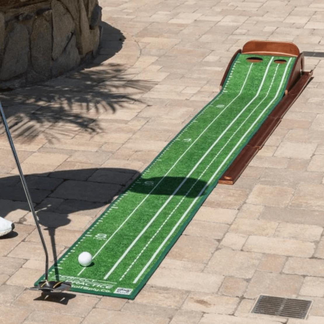 Professional Indoor Putting Green