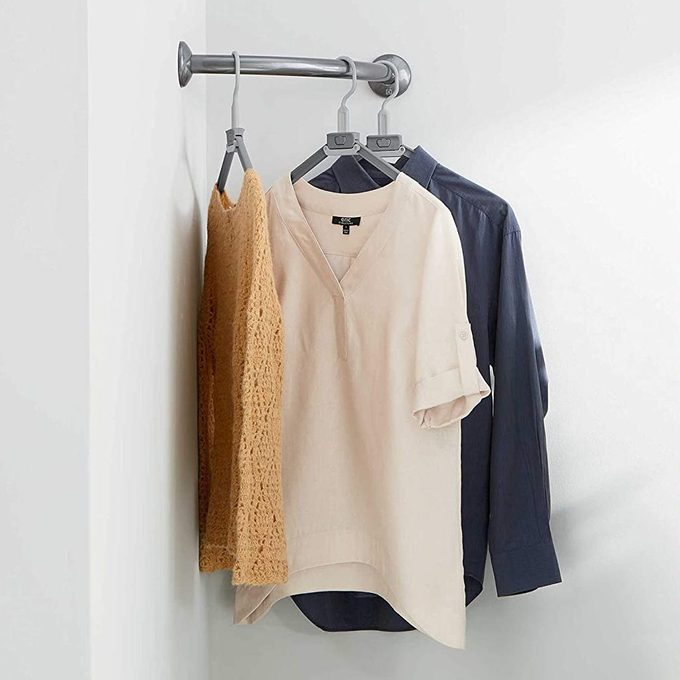 corner clothes hanging bar