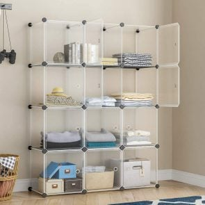 Stacking cubes to use as a closet