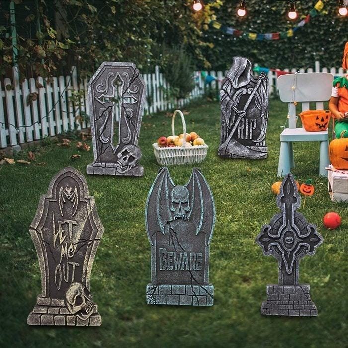 yard tombstones for halloween decorations