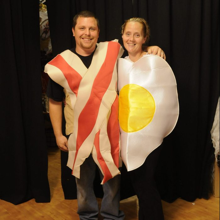 Mike and Heather Redding dressed as bacon and eggs for halloween