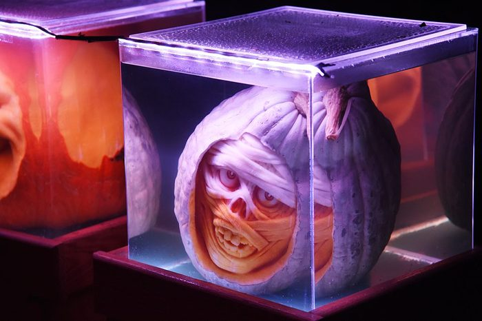 scary mummy pumpkin decoration for halloween