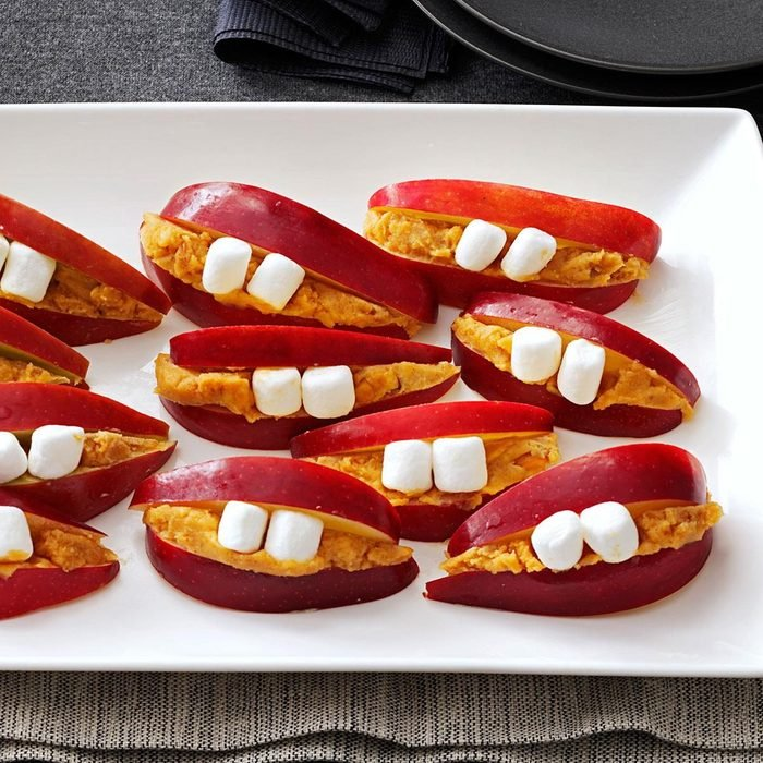 Li'L Lips halloween treat with apples and peanut butter and marshmallow teeth
