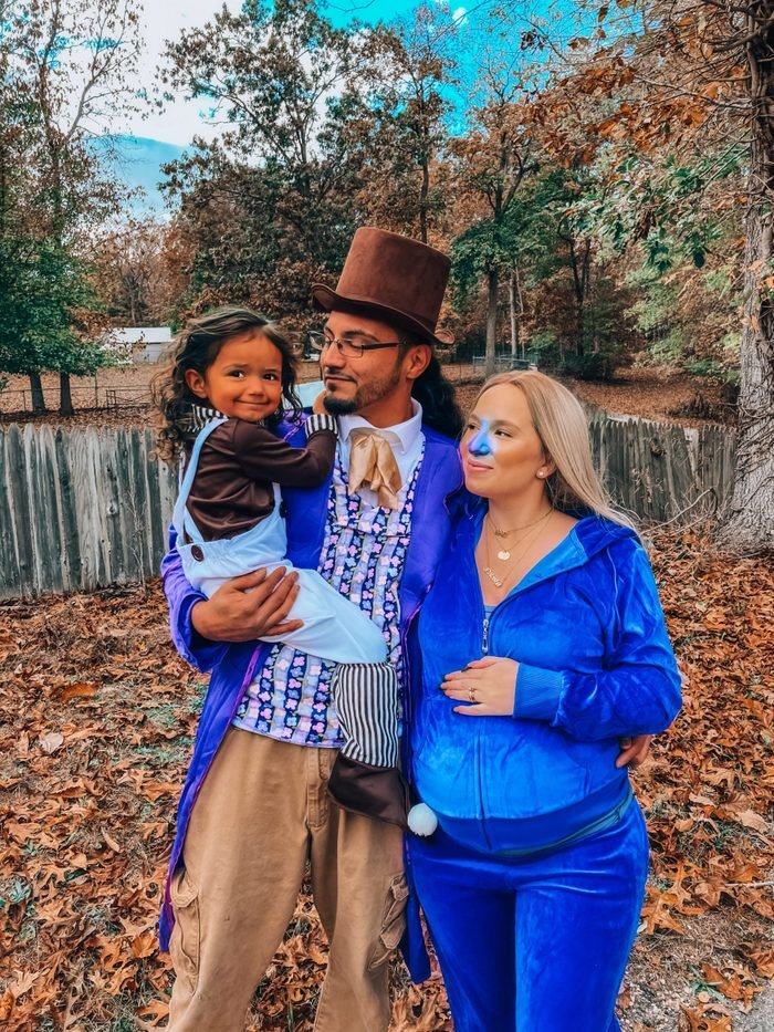 WIlly Wonka and the Chocolate factory family halloween costume