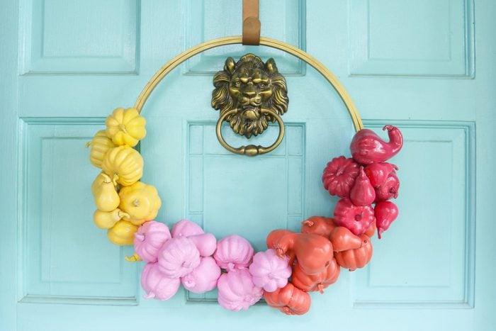 pumpkin garland on front door