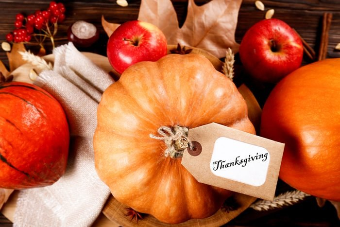 pumpkin table decor with written cards