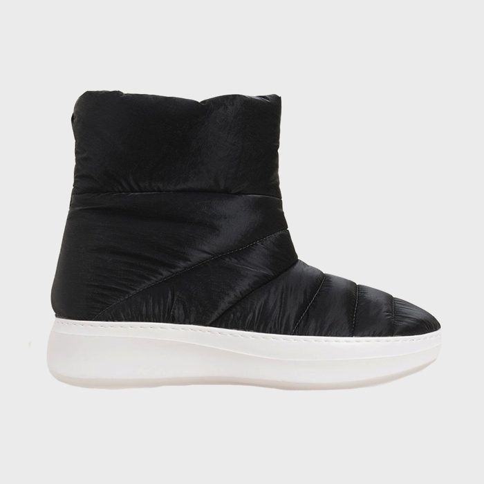 Kenneth Cole Rosette Puff Boots