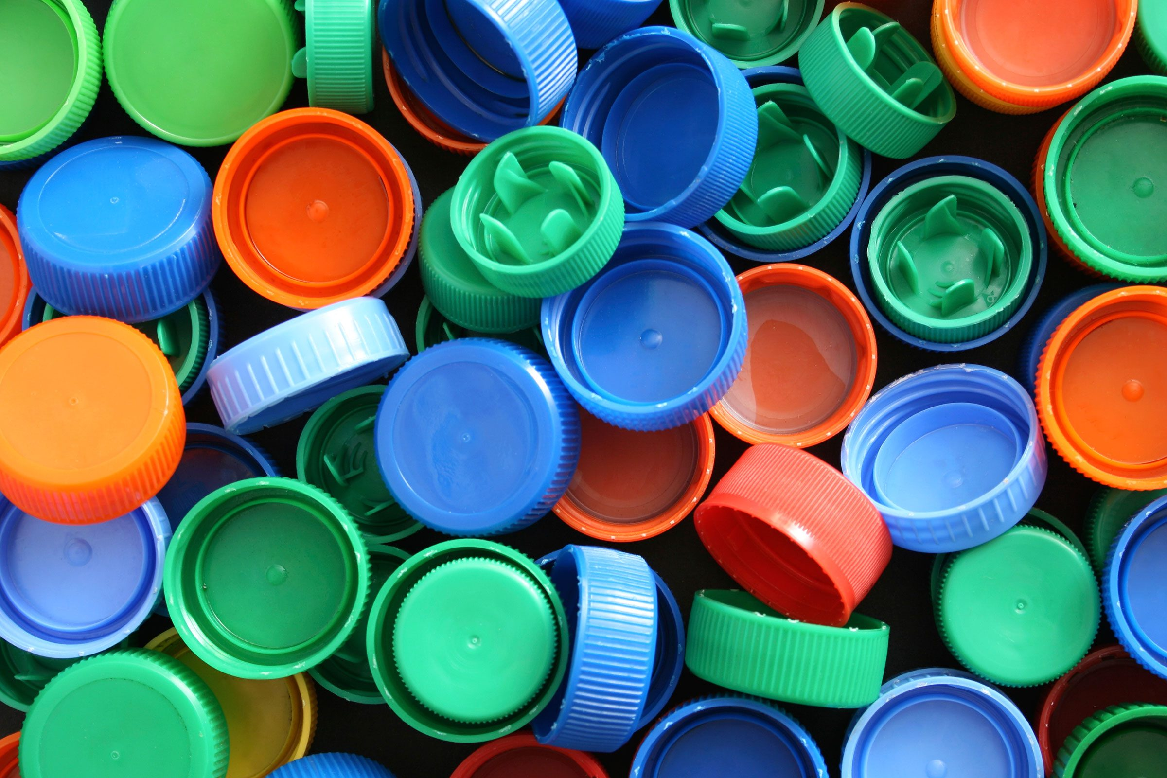 Myth: Leave soda bottle tops on for recycling