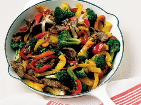 orange beef stir-fry with broccoli and peppers