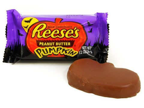 1 piece 180 calories 11 grams fat 16 grams sugar although the combination of chocolate and peanut butter can be tempting this pumpkin can seriously - Top Ten Halloween Candies