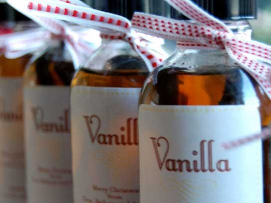 6 unusual uses for vanilla extract reader 39 s digest. Black Bedroom Furniture Sets. Home Design Ideas