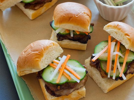 13 easy finger foods perfect for a party readers digest forumfinder Image collections