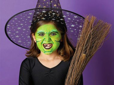 starting with a green base applied with a sponge draw gruesome black lines with a paintbrush or makeup stick and highlight them in white by another - Halloween Facepaint