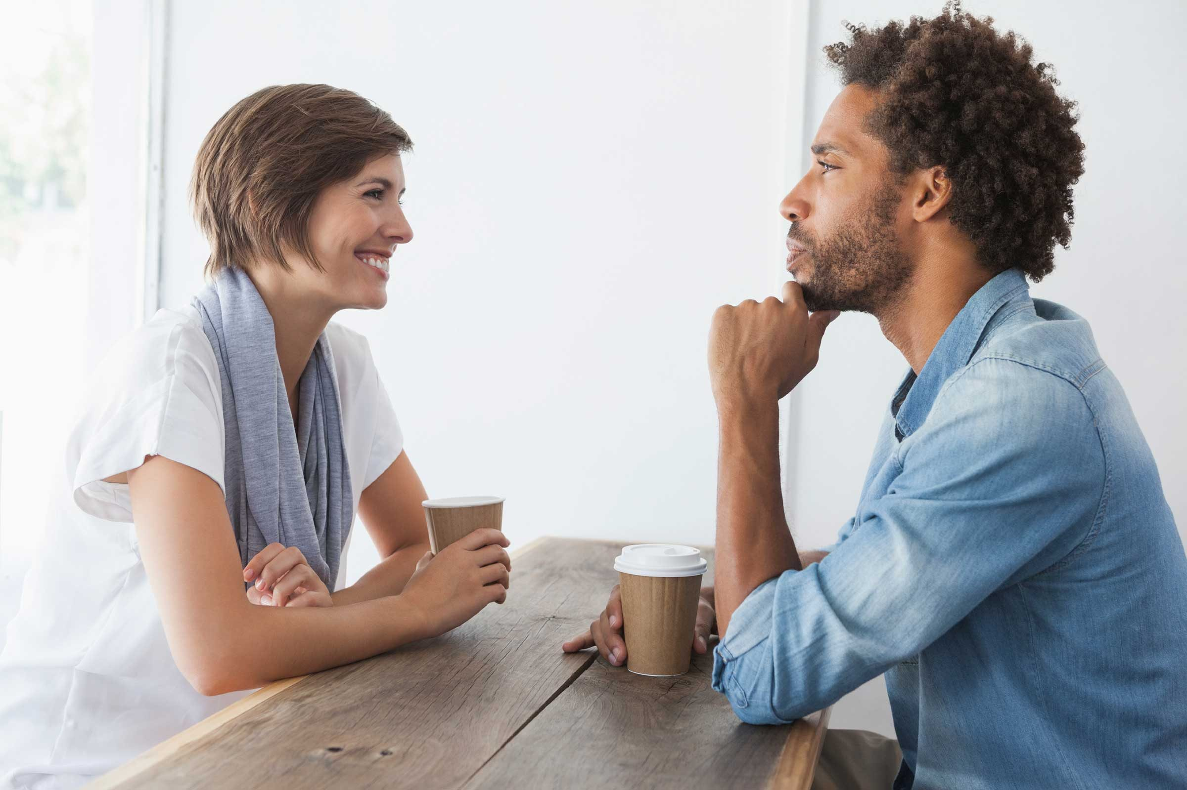 How to spot liars on dating sites