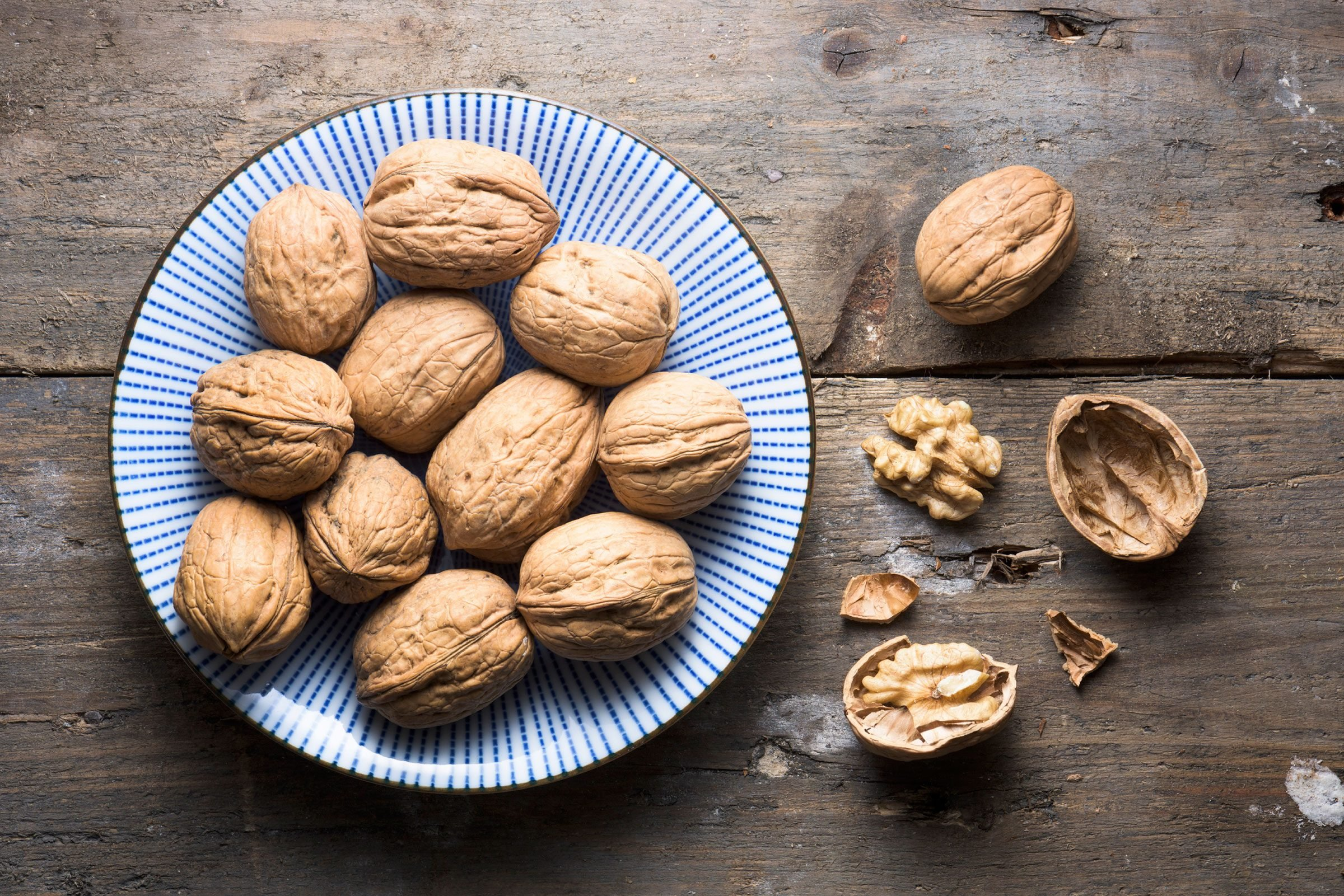 10 foods that all diabetics should avoid - One Of Your Daily Snacks Is Walnuts
