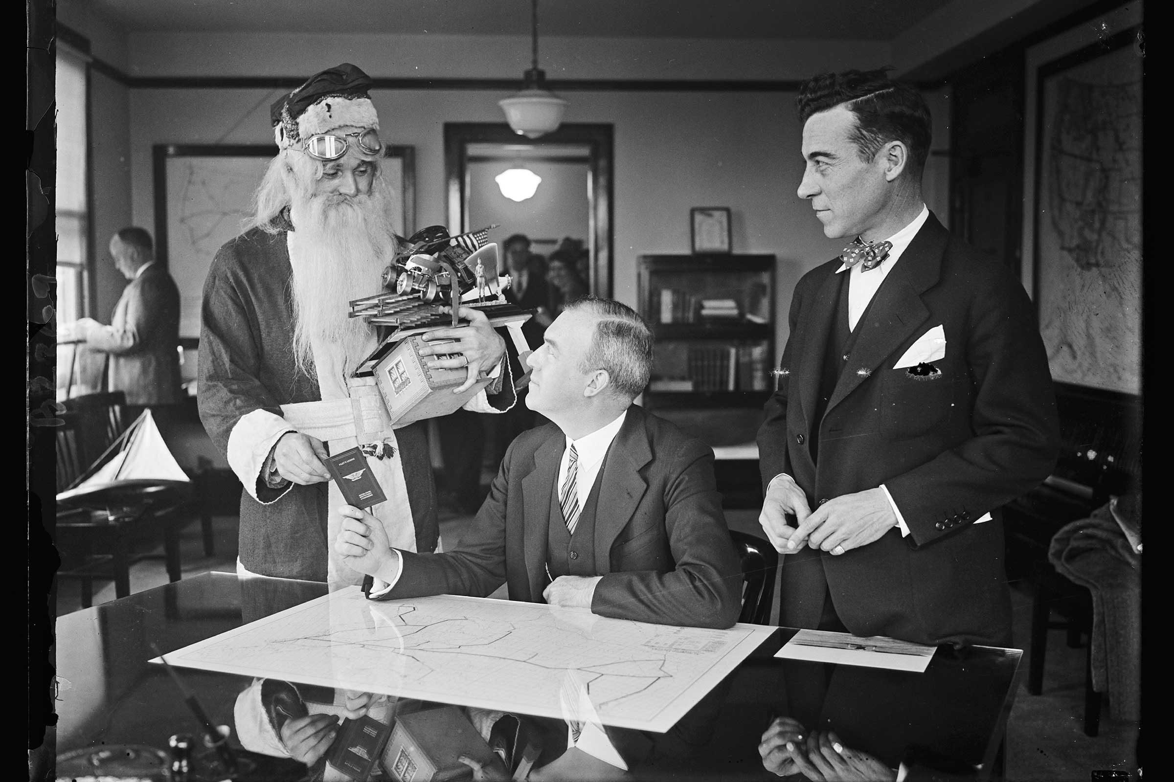 10 Rare, Vintage Christmas Photos   Reader's Digest