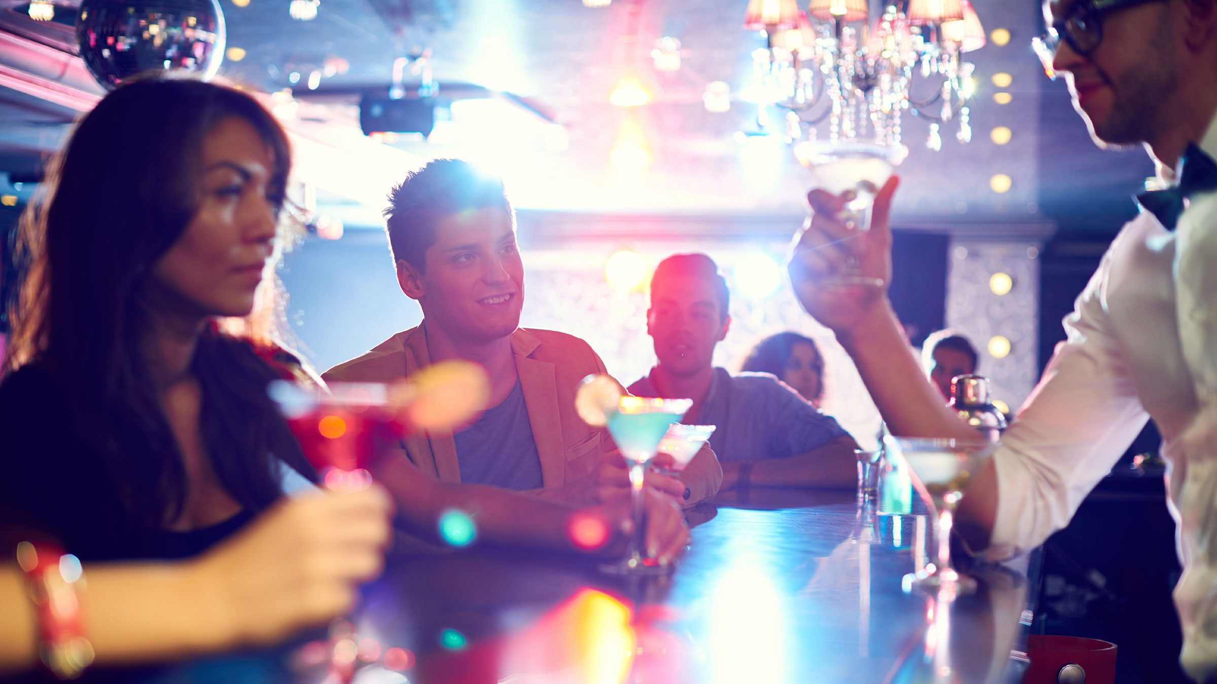 13 things your bartender won t tell you slideshow reader s digest