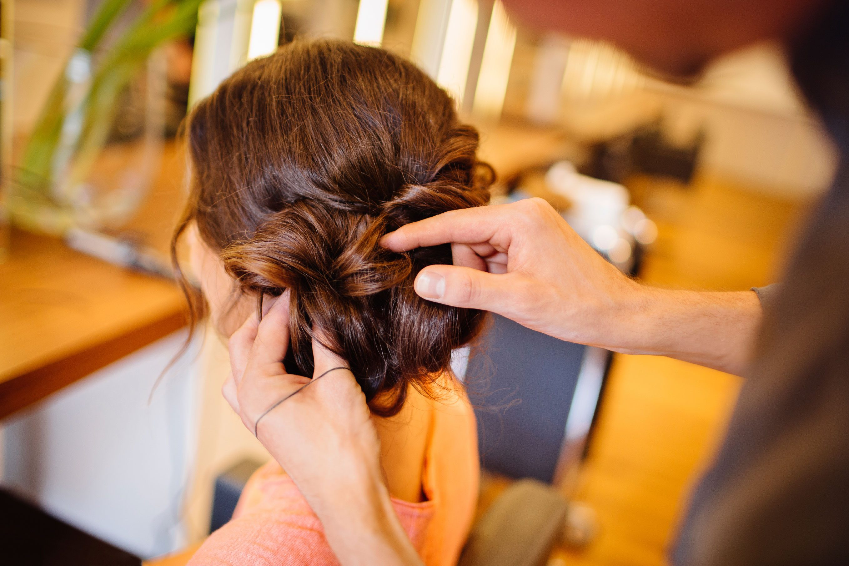 20 Genius Beauty Tips for Brides To help you look your most beautiful on the big day, we've compiled these 20 essential beauty tips for brides from top hair and makeup pros. 1-Minute Makeovers.