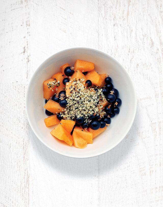 Breakfast Bowl: Blackcurrants, Melon, Oats, and Hemp Seeds