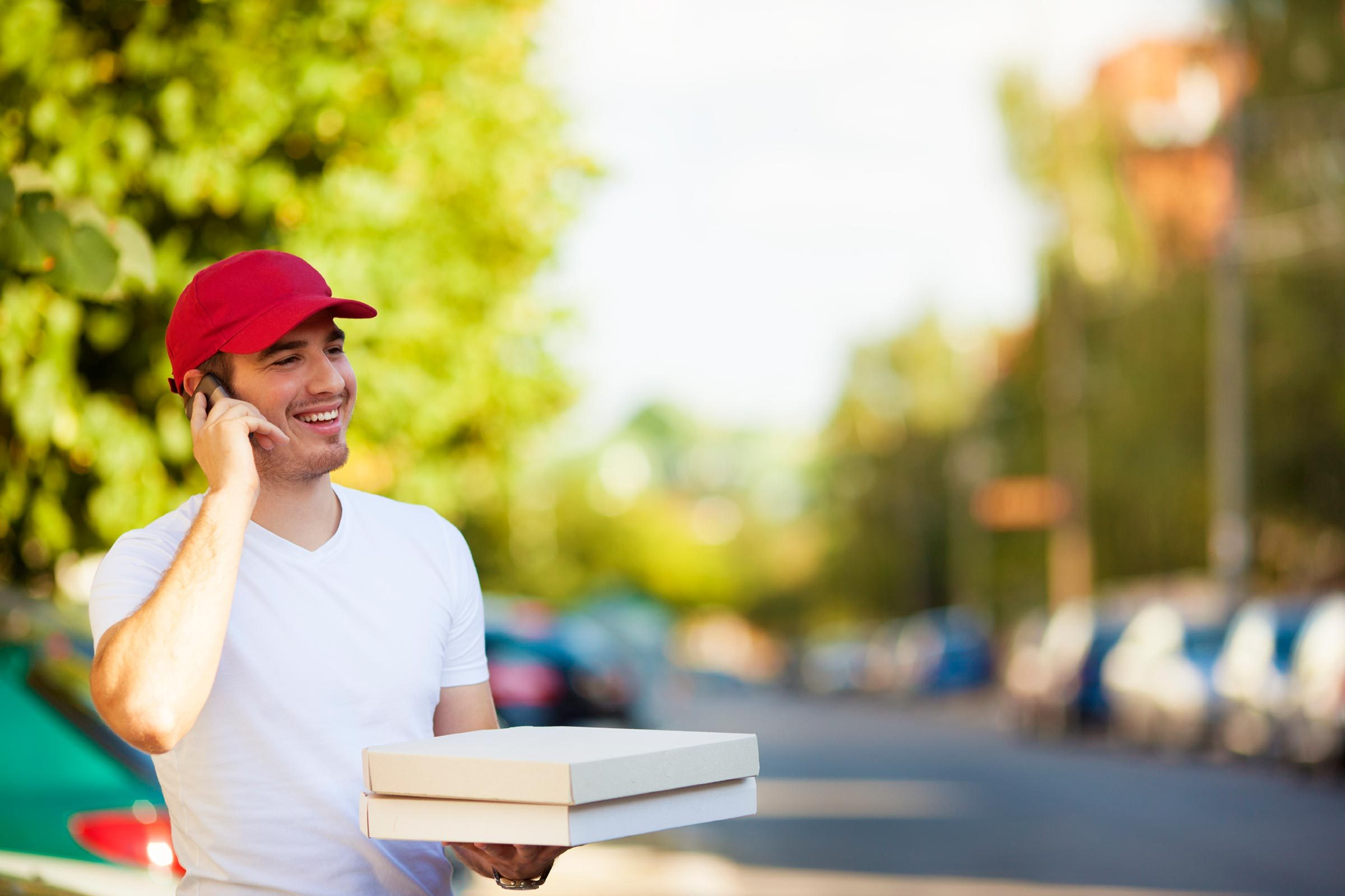 27 Things Your Pizza Guy Won't Tell You | Reader's Digest
