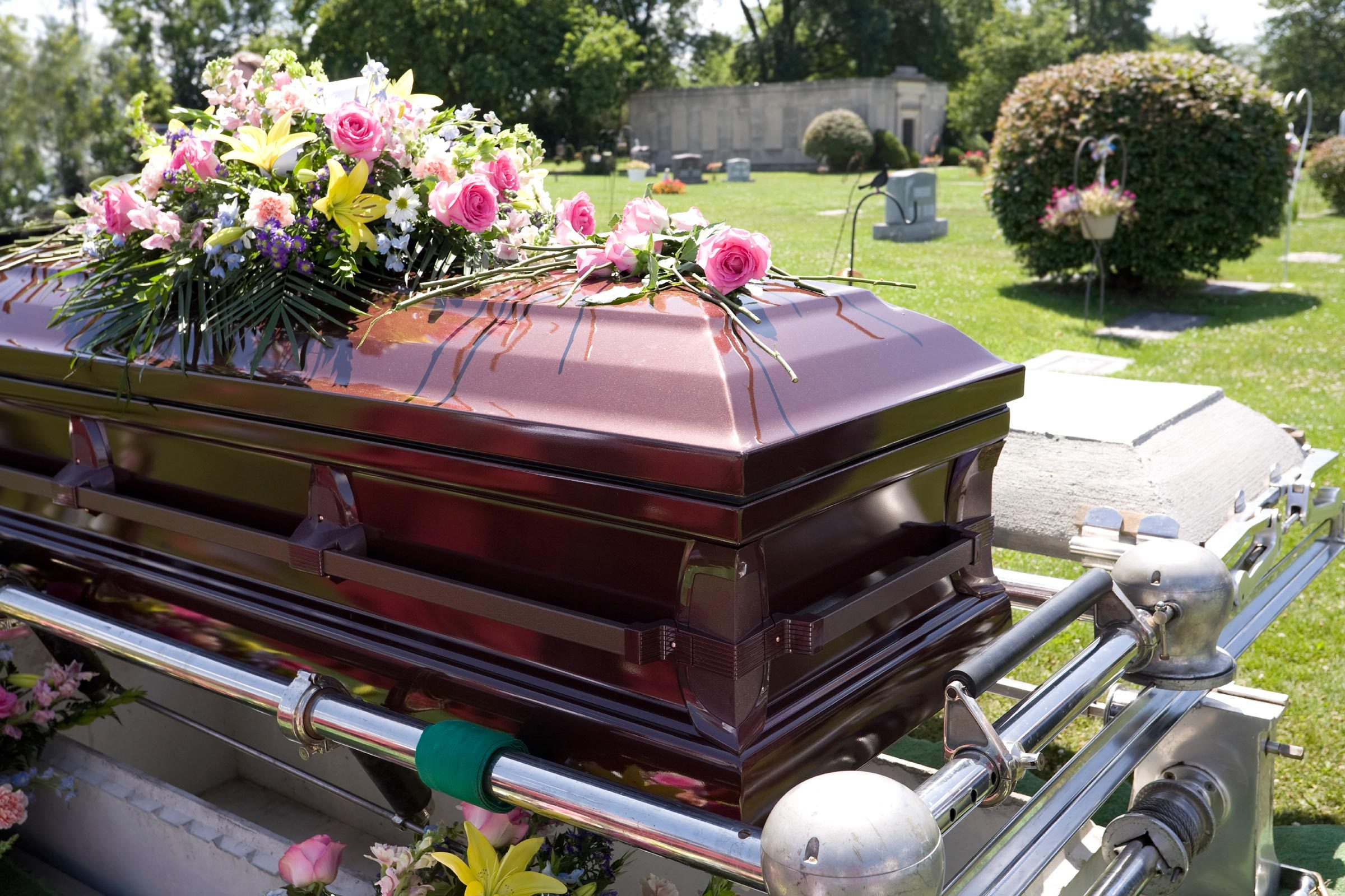 13 things a funeral director wont tell you readers digest 7 protective caskets with a rubber gasket dhlflorist Choice Image