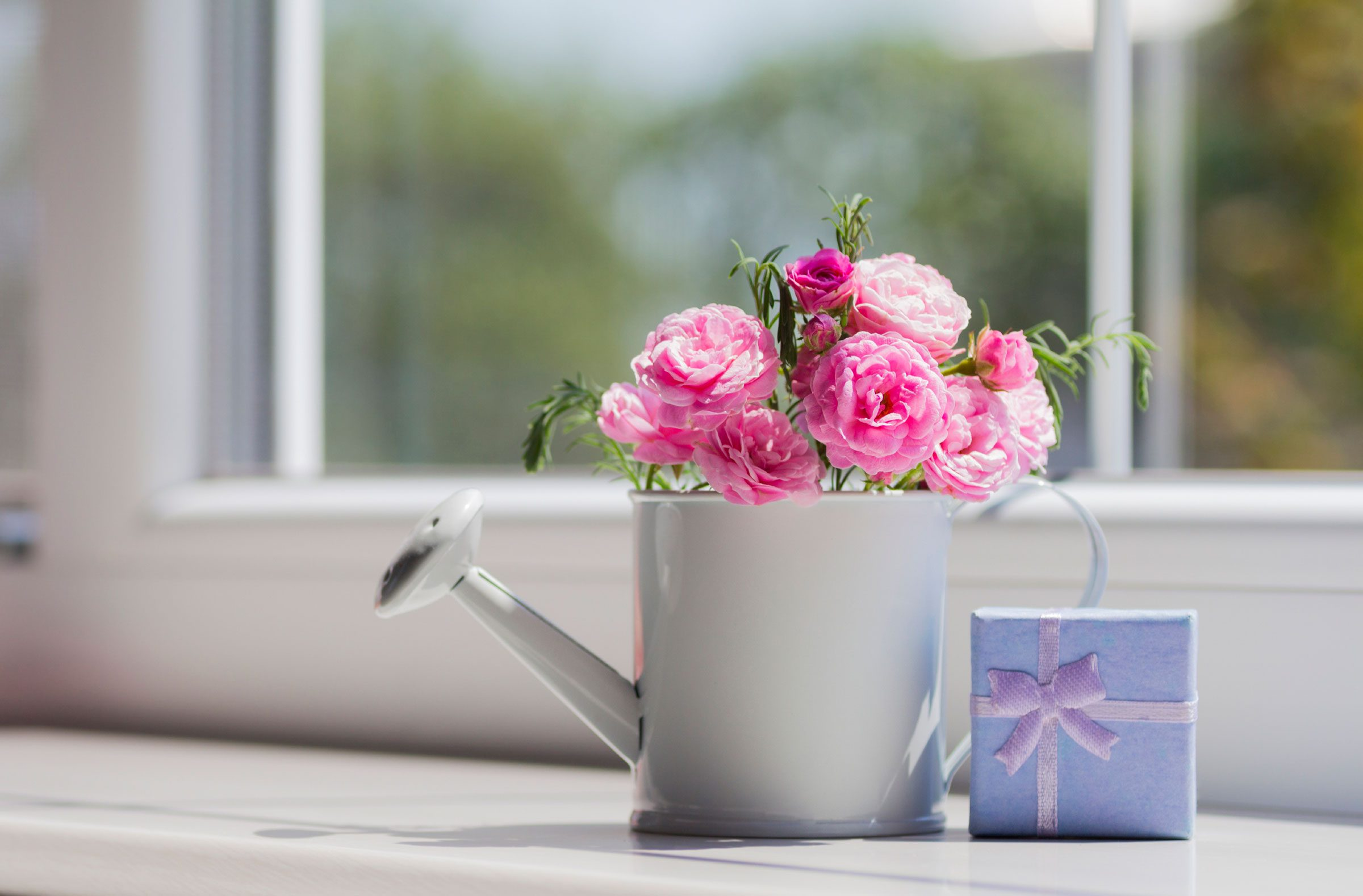 Easy cheap flower arrangements upgrade supermarket flowers make the vase a gift too dhlflorist Choice Image
