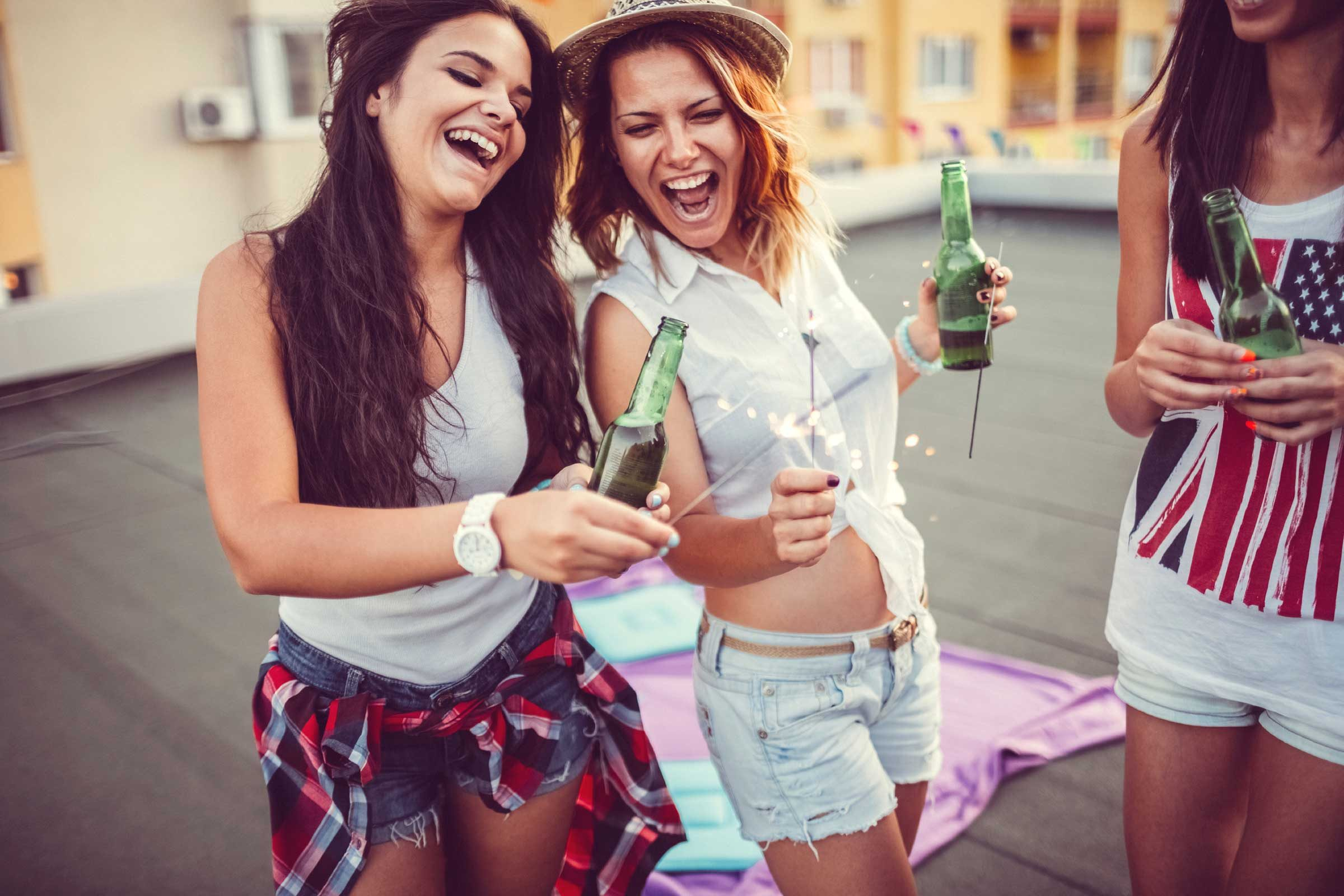 Binge Drinking Signs: Are You Drinking Too Much? | Reader's Digest