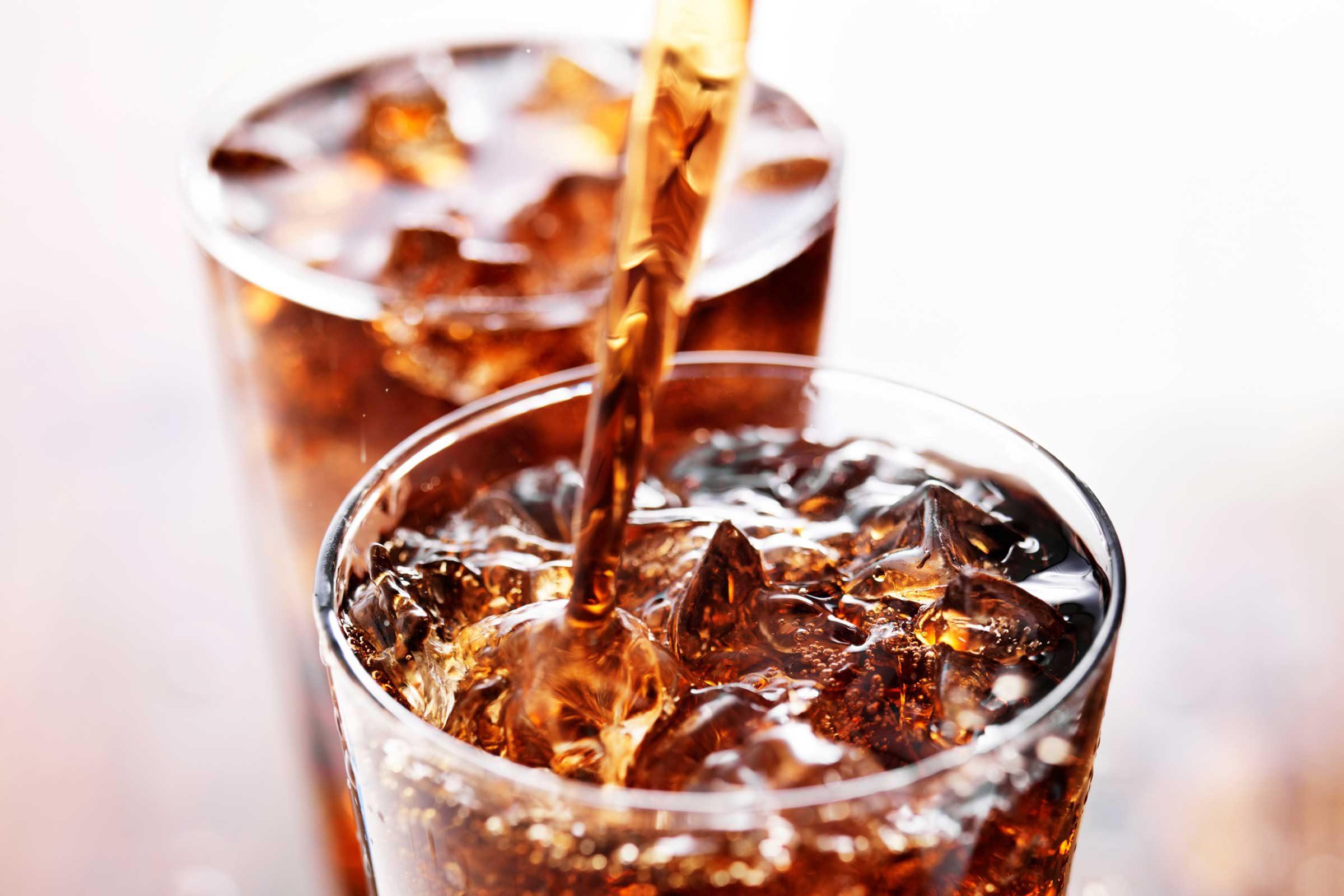 Un soda et le corps pourrait amasser trois fois plus de graisse du ventre