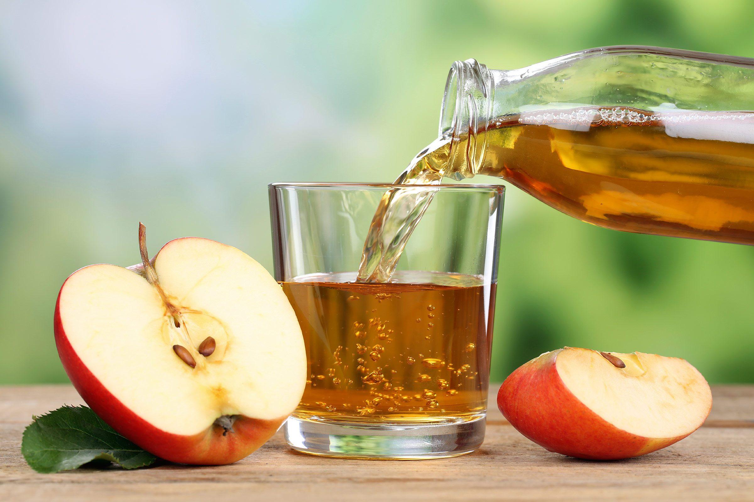 Sore throat remedy: Apple cider vinegar and salt