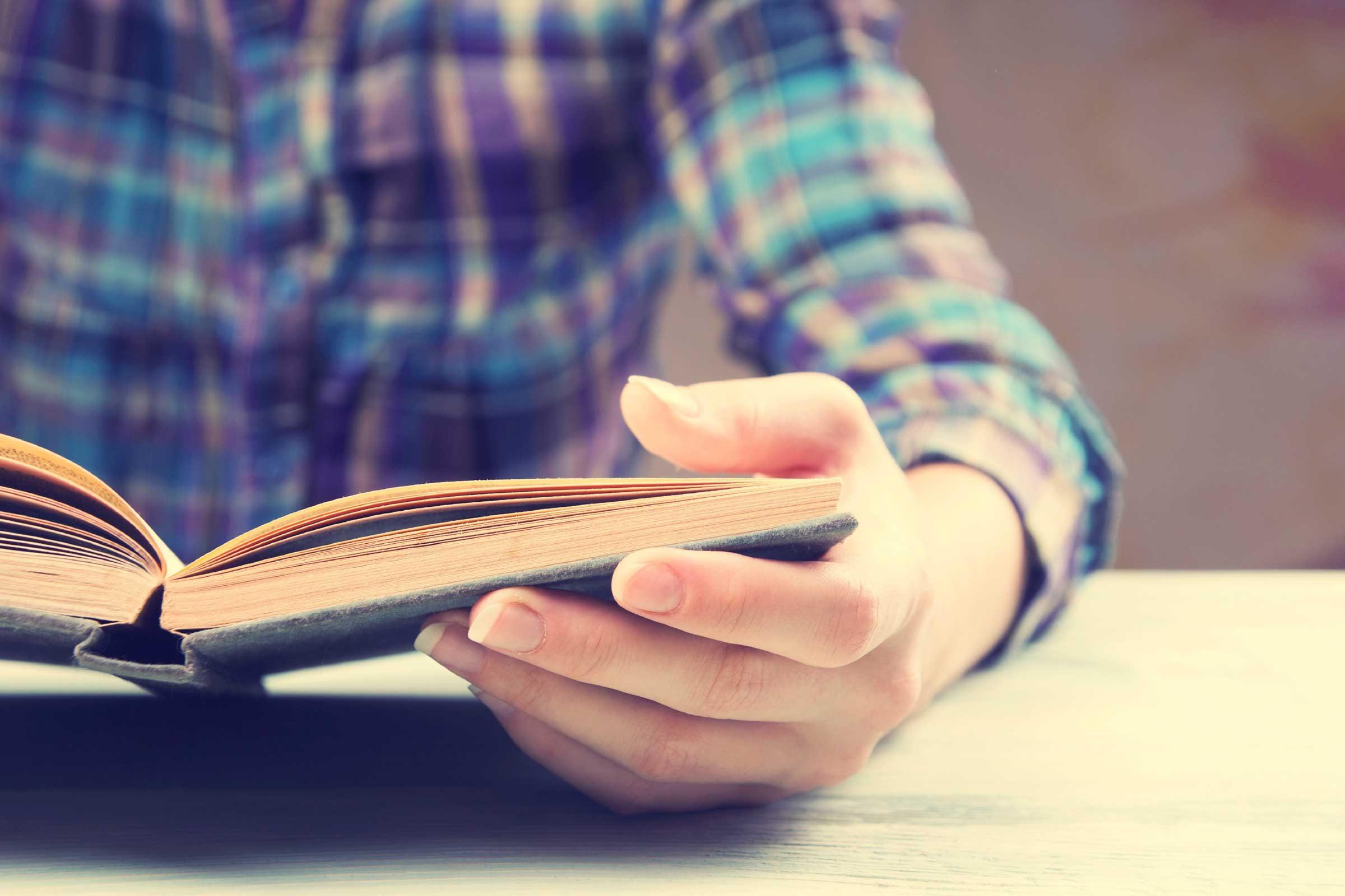 Un livre papier peut contribuer à une meilleure reconstruction mentale de l'intrigue du livre.