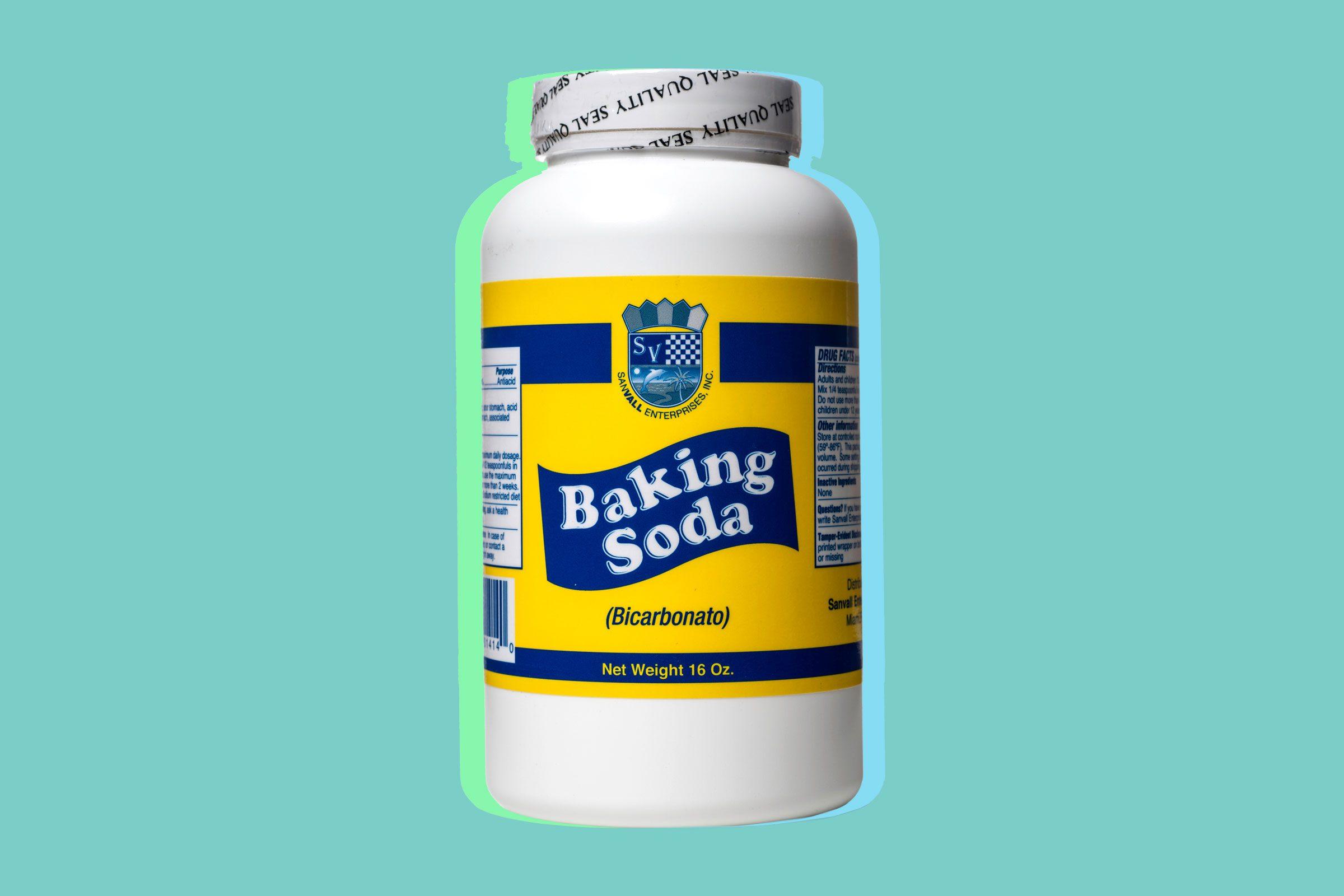 Use baking soda to cool heat rash