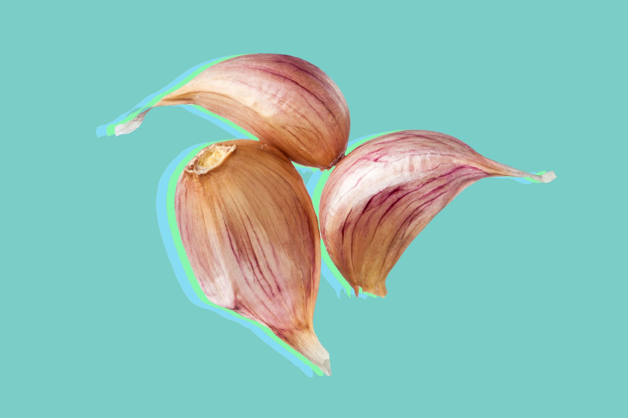 Use garlic to stop swimmer's ear