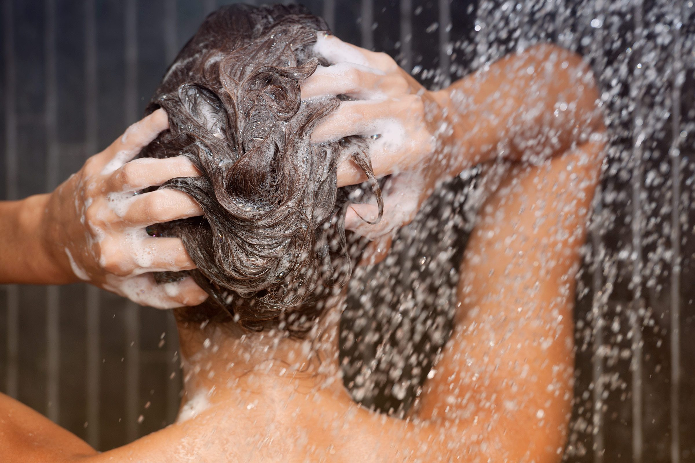 Shampooing daily: possibly harmful.