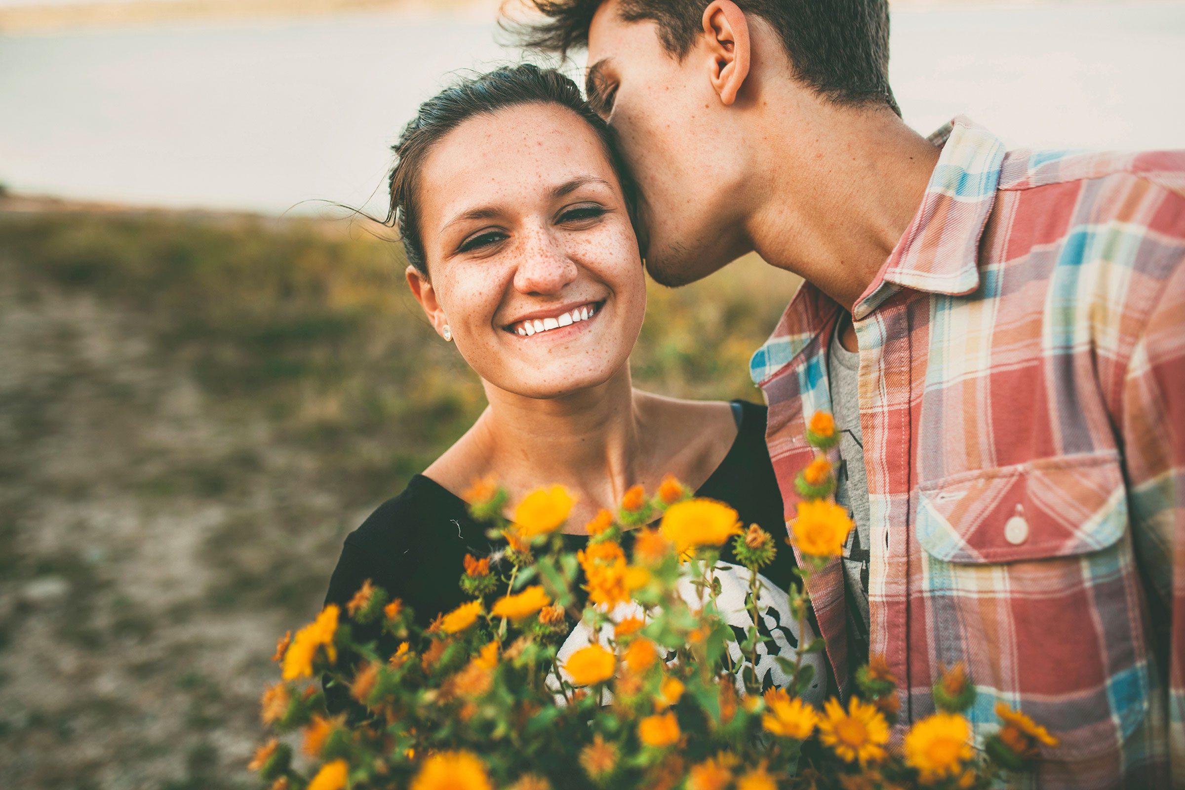 Lolsnaps.com - Introvert dating ritual