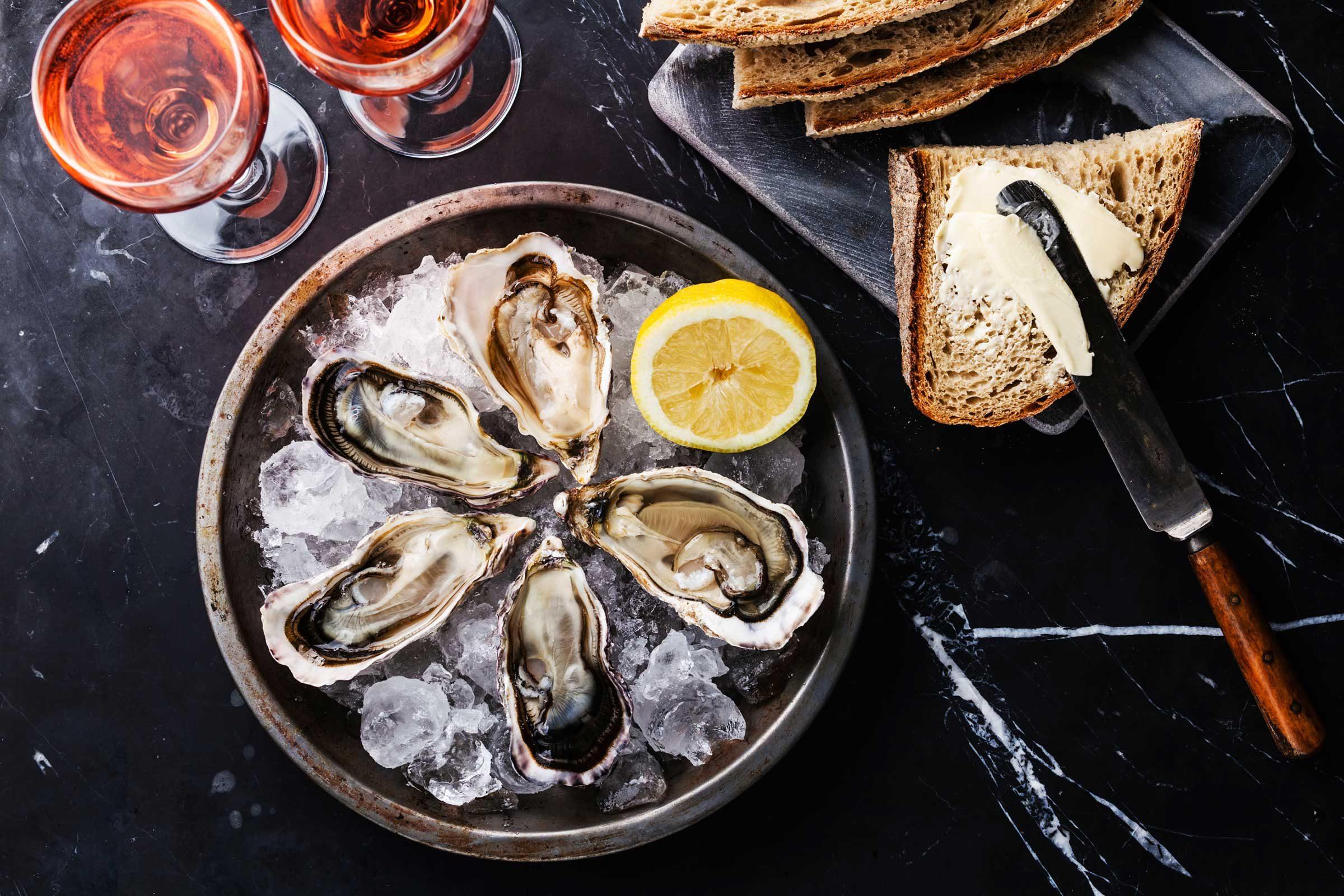 Club soda helps shuck oysters