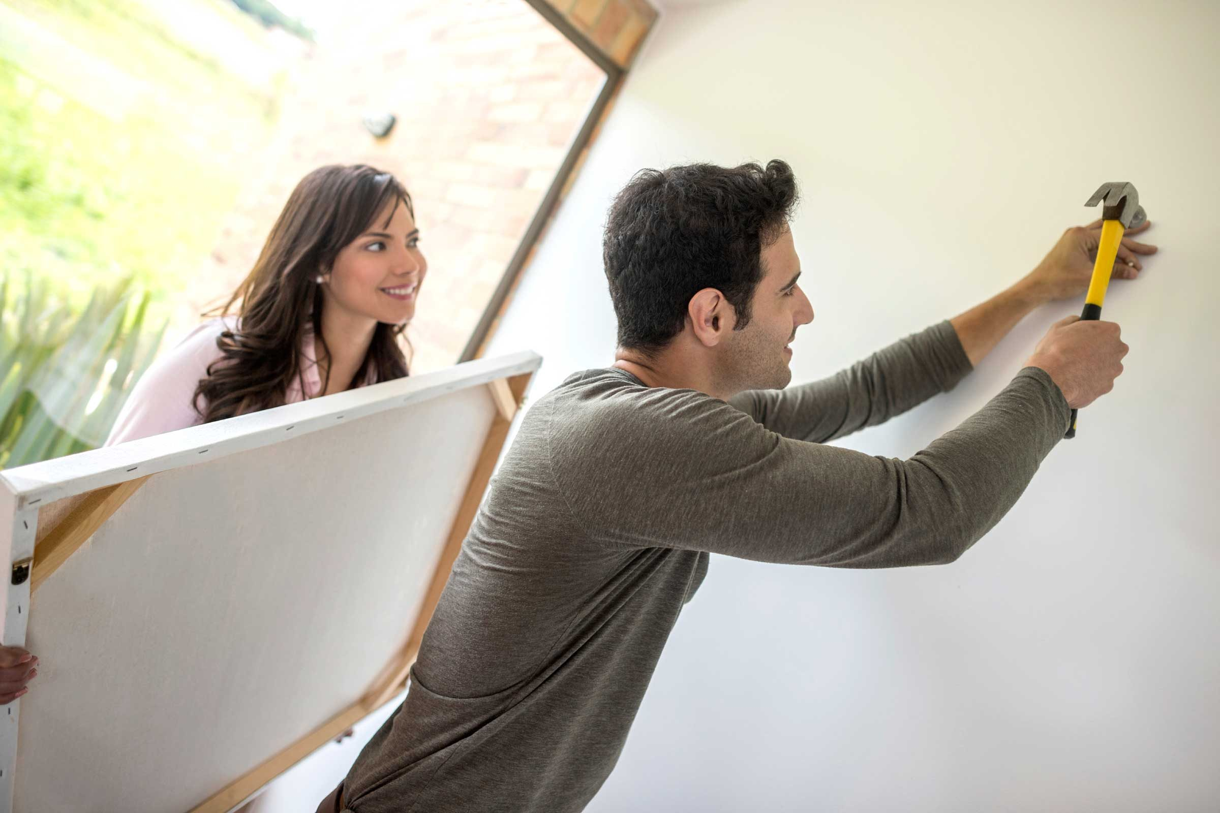 How To Hang Picture Frames Mistakes To Avoid Reader S