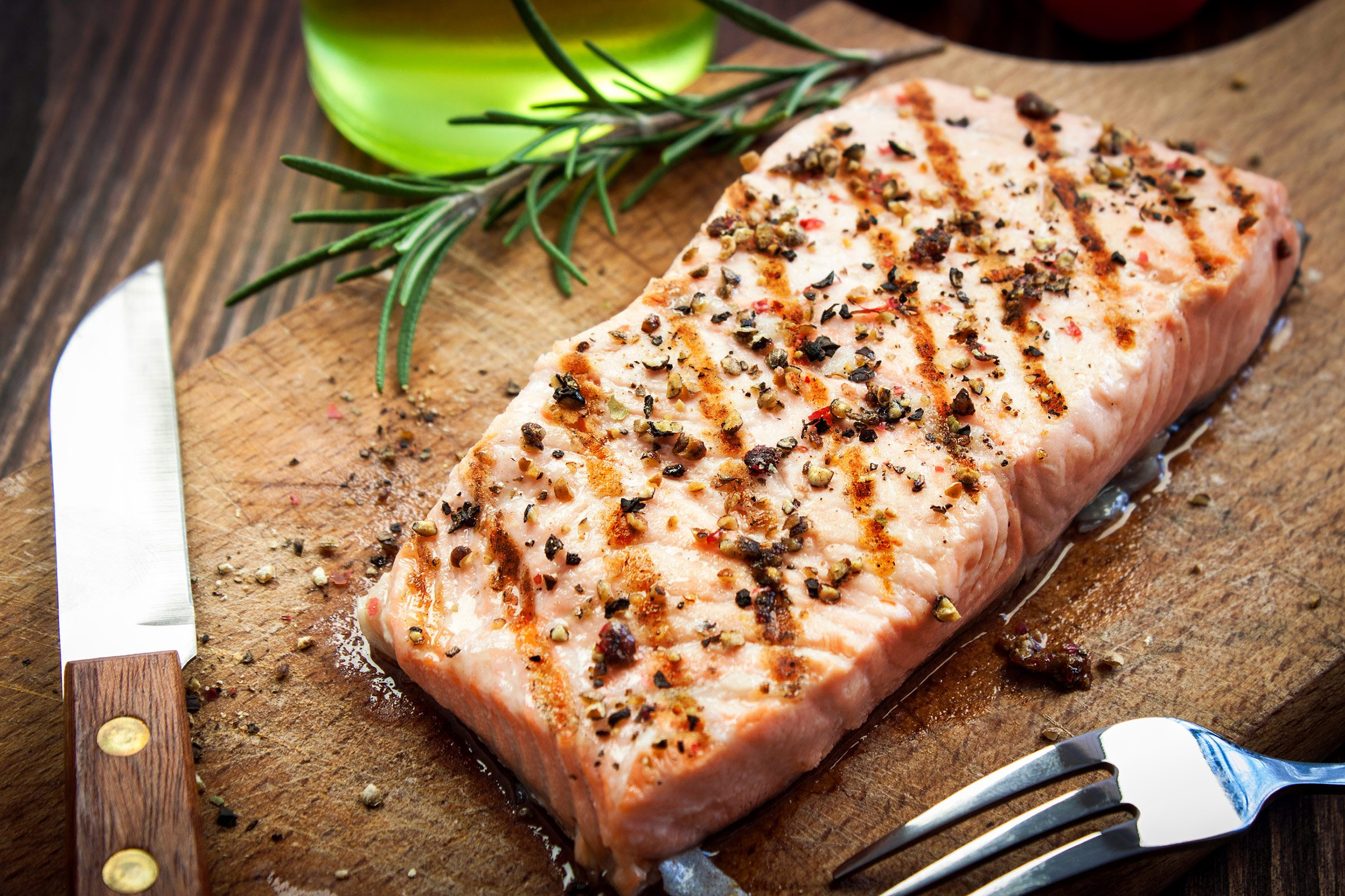 Fish filets and steaks