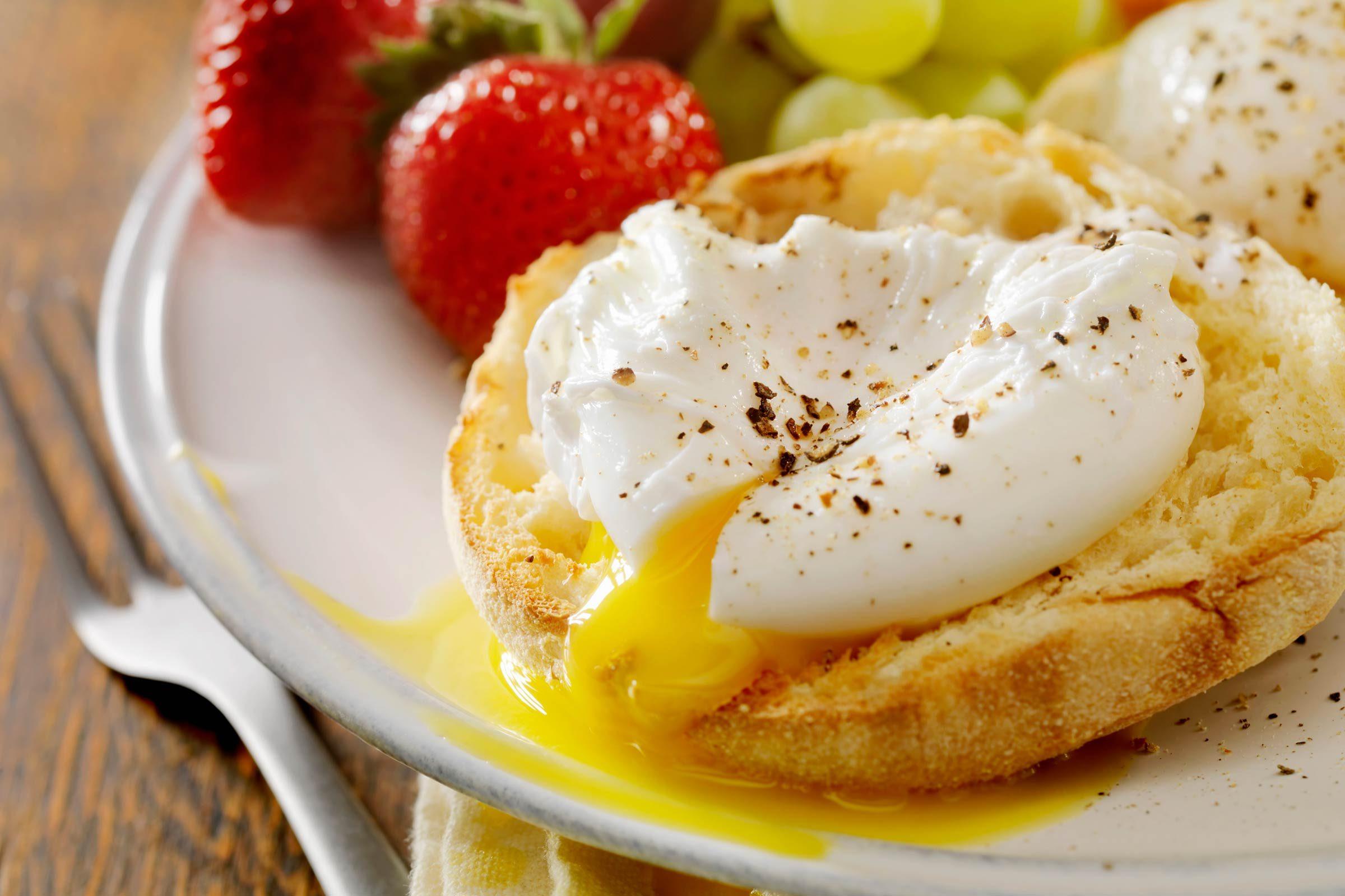 Make a speedy egg muffin sandwich