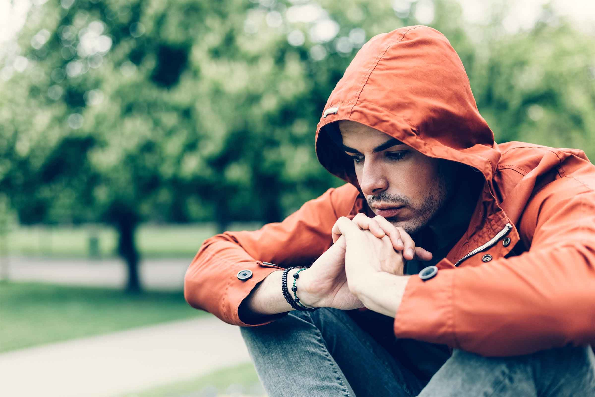 behavioral therapy 2 Find out how cognitive behavioral therapy can help if you're living with bipolar disorder, you're probably well-accustomed to the unpredictable mood swings that are a hallmark of the condition.
