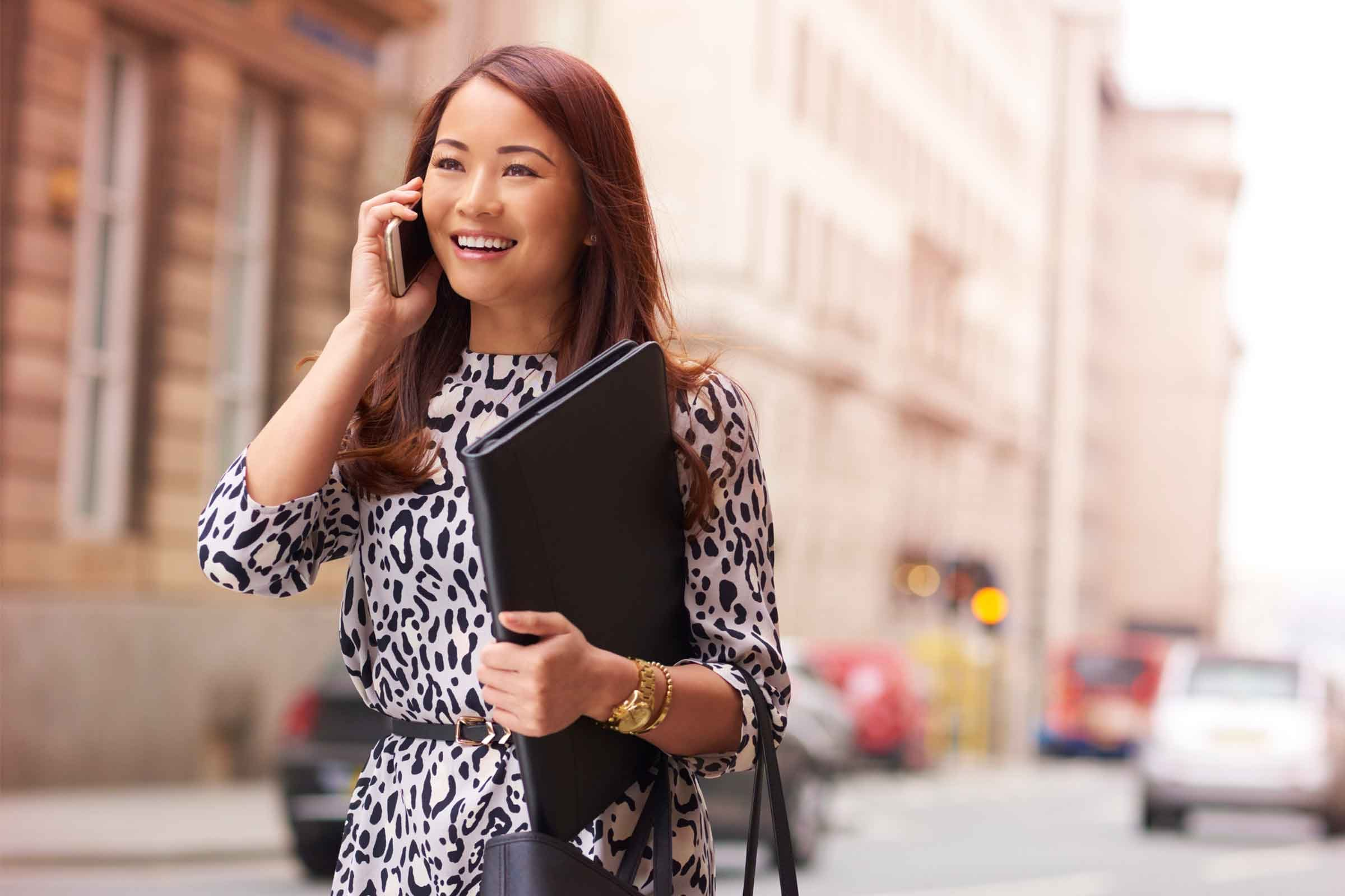 what to wear to an interview mistakes not to make reader s digest you wear a loud print