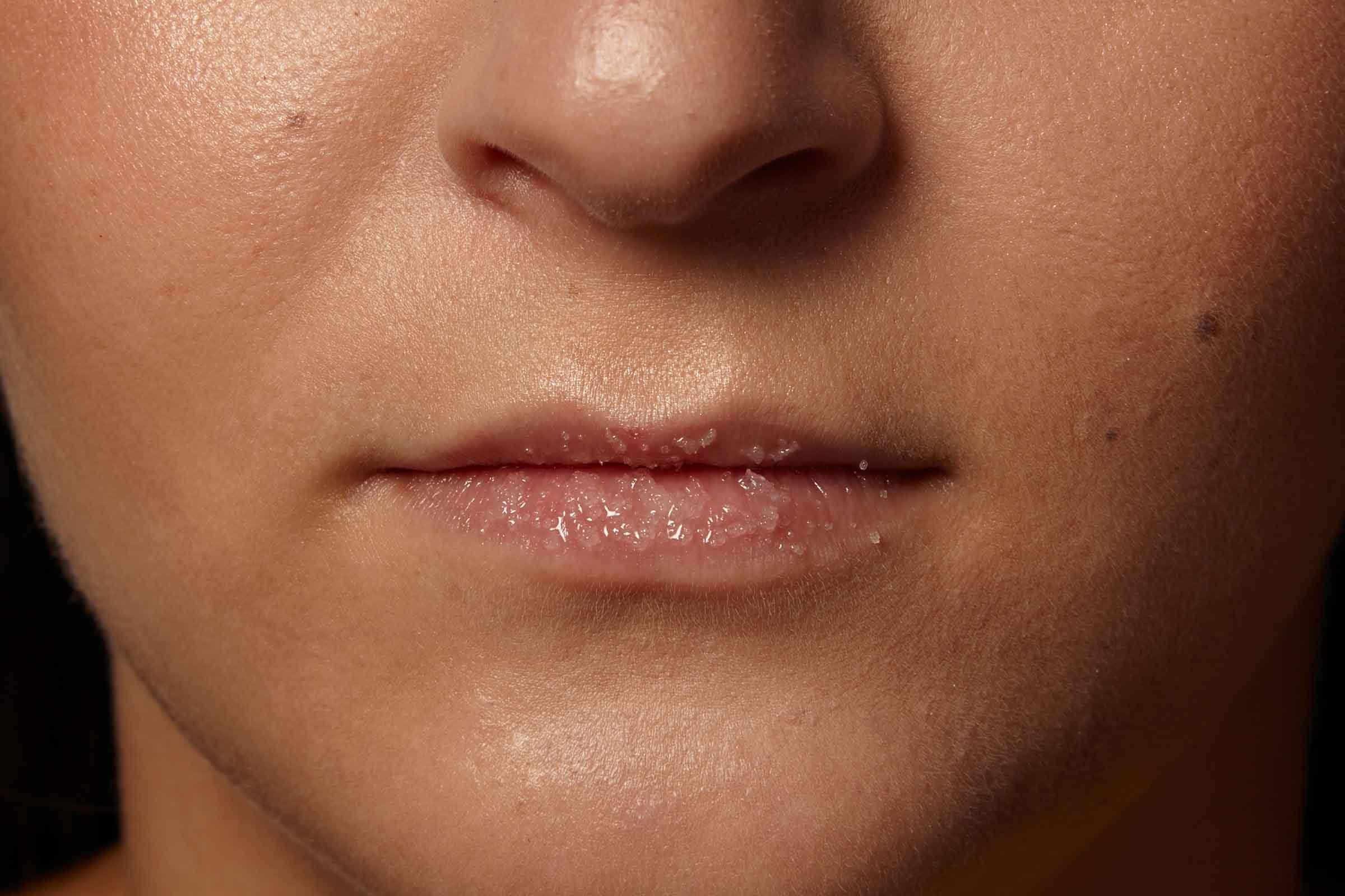Full Lips: 9 Makeup Tricks